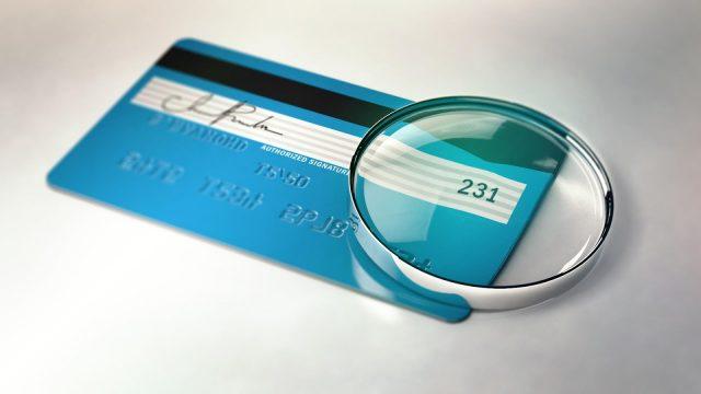 Kredi Kartınızın Arkasını İmzalamanız Gerekir mi?